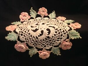 Vintage Hand Crocheted Lace 11 Round Cream W Pink Roses Green Leaves Doily