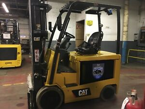 2013 Cat 5000 Lb Electric Forklift With Side Shift And Triple Mast