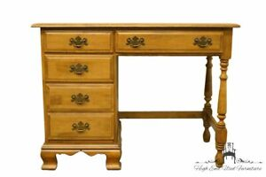 Sterlingworth Sterling House Collections Colonial Style Solid Maple 40 Stude