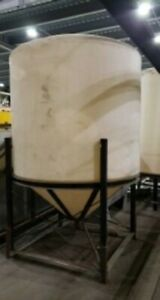 1000 Gallon Cone Bottom Poly Tank With Steel Stand