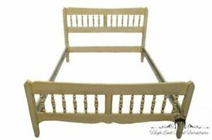 Ethan Allen Antique White Full Size Spindle Bed