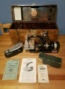 Nice Vtg Or Antique Willcox Gibbs Portable Sewing Machine W Case Extras