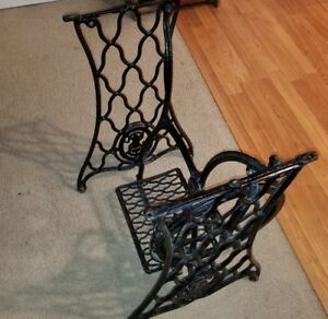 Antique Singer Treadle Sewing Machine Cast Iron Table Base Legs Industrial Age