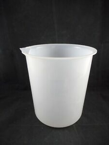 Laboratory Plastic 4000ml 4l Low form Clear Heavy Beakers With Spout Graduated