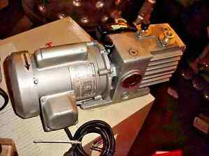 1 3 Hp Leybold Vacuum Pump Trivac Model D2a Tested