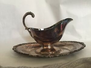 Silver Plated Wm Rogers Gravy Boat Set