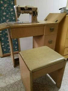 Vintage Singer 401a Sewing Machine And Cabinet