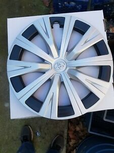 2018 19 Toyota Camry Wheel Cover 16 In