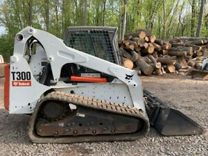 2011 Bobcat T300 With Only 2377 Hours 2690