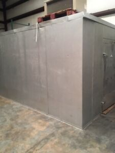 Walk In Cooler 16 X 10 X 8 2