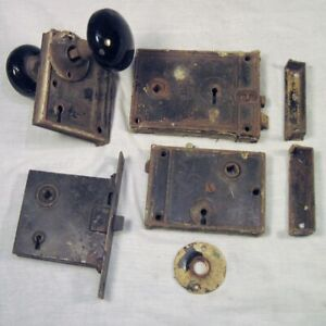 Lot Of 4 Vtg Door Locksets And 2 Black Porcelain Door Knobs Rusty