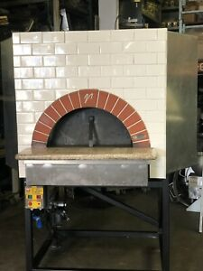 Mugnaini Vesuvio Commercial Gas Fired Brick Lined Pizza Bread Oven Restaurant