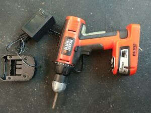 Black Decker Bdgl1800 Cordless Drill W Auto Leveling Laser Charger Cord