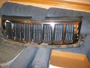 2011 2012 2013 Jeep Grand Cherokee Front Chrome Grill