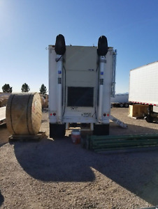 Cow cell Tower On Wheels Semi trailer With Accessories Will burt Double Mast