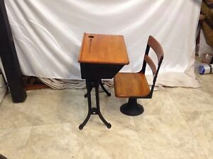 Vintage Children S 1920 S Wood Iron Old Fashioned School Desk And Chair Nice