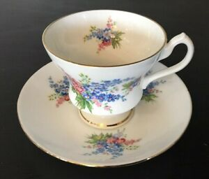 Vintage Finest Bone China Royal Imperial Tea Cup Saucer Made In England