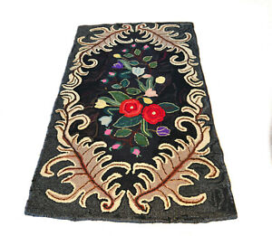 Antique Large Folk Art Flowers And Acanthus Leaves Wool Hooked Rug