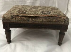 Petite Carved Wood Victorian Foot Stool 13x 9x7 5 For Doll Or Dainty Person