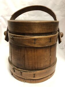Vintage Primitive Wooden Stave Firkin Sugar Bucket W Squirrel On Lid Peg Handle