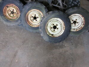Gehl 2500 Skid Steer Loader Wheel Wheels Tires Tire Set