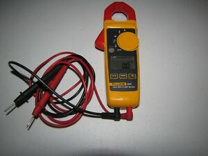 Fluke 324 True Rms Clamp Meter Multimeter