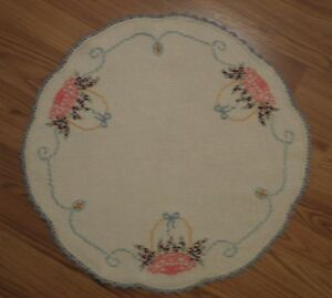 Vintage Hand Embroidered Linen Table Round 20 Diameter Scalloped Border