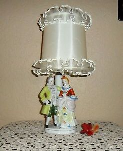 Vintage Hollywood Regency 1700 S Colonial Attired Couple Lamp Original Shade
