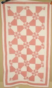 Well Quilted Vintage 30 S Hearts Gizzards Antique Crib Quilt Great Design