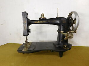 1900s Antique Domestic D Treadle Sewing Machine Hilo New York Head Only
