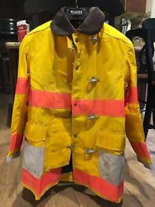 Globe Firefighter Safety Coat Lined Size 42 Hardly Worn Bunker Turnout Gear