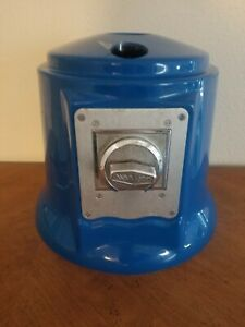 Neck blue And Beaver Coin Mechanism Roadrunner Spiral Gumball Machine Euc