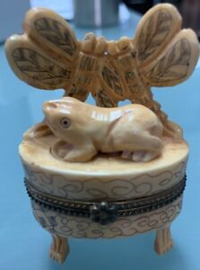 Proverbial Trio Carved Elk Horn Antique Mini Frog And Dragonfly Jewelry B