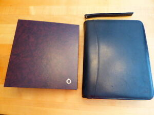 Franklin Covey Classic 2 Leather Zip Binder With Storage