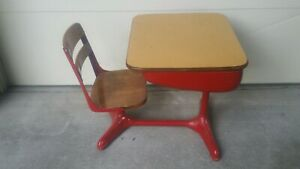 Vintage Child S School Desk With Chair Wood And Metal American Seating Co