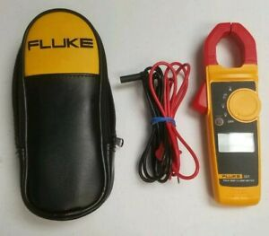 Fluke 323 True Rms Clamp Meter W Leads 600 300v Measures Ac Current 400a T17279