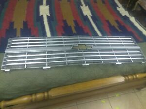 Nos Chevrolet Truck Grille Gm 14043877 1982 1983 C And K Series
