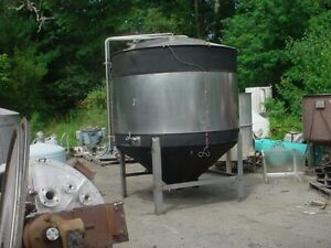 1488 Gallon Stainless Steel Jacketed Tank Cone Bottom Fermentor From Brewery