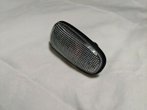 New 2005 11 Cadillac Sts Fender Side Marker Signal Light Lamp Lens Oem 15930599