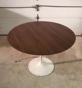 Authentic Vintage Eero Saarinen Knoll 42 Inch Tulip Dining Table Walnut Laminate