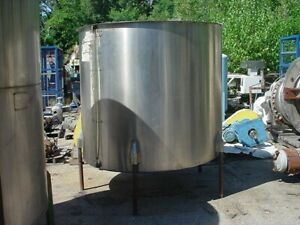 850 Gallon Stainless Steel Tank