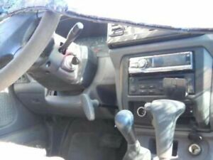 Carrier Front Axle 6 Cylinder Xe 265 70r15 Tires Fits 99 00 Frontier 305523