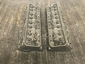 Pair Corvette Chevy 327 Sbc Double Hump 3782461 461x Cylinder Heads