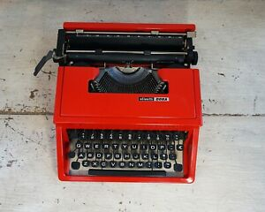 Red Olivetti Dora Aka Olivetti Lettera 31 Typewriter In Great Condition