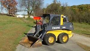 2015 John Deere 318e Skid Steer Loader With Bucket
