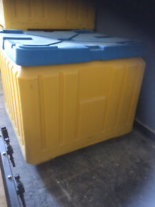 Poly Box Insulated Food Service Container 30 Cu Ft For Shipping Or Storage