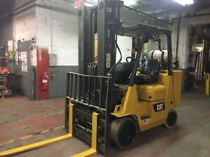 Cat 10000 Lb Forklift With Triple Mast Side Shift And Fork Positi