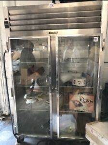 Traulsen Two Section Glass Doors Roll in Refrigerator Model Ari232lut fhg