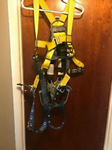 Dbi Sala Harness Size Universal With Two Bantam Retractable 6