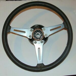 Triumph Tr6 Factory Paadded Steering With Hub Nice Shape S3